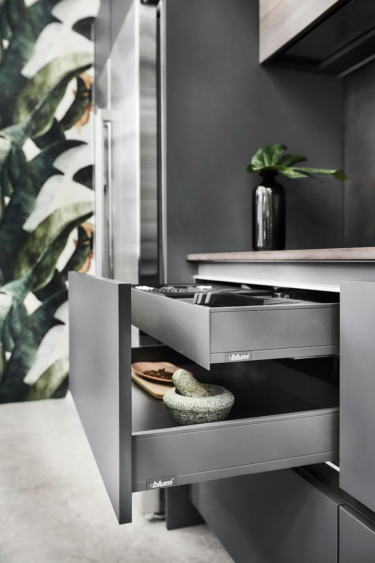 icon-interior-design-condo-Chancery-Lane-Kitchen4